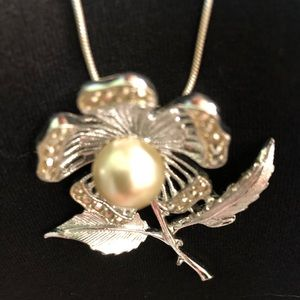 """Sarah Vintage Brooch and SS 30"""" claw clasp 925"""